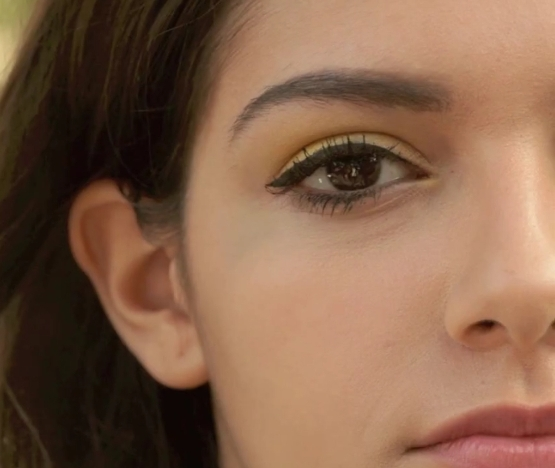 Eye Makeup - Sunshine Eyes - Eye Liner Applied