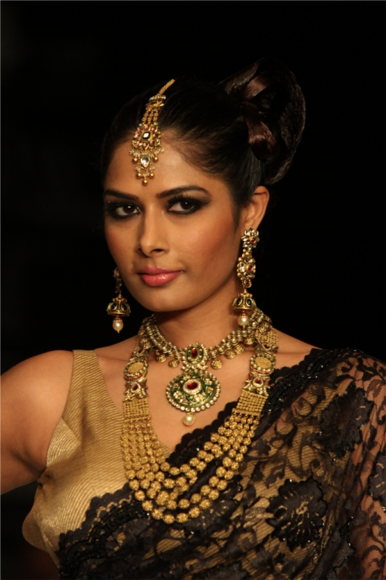 Dazzling in Traditional Jewelry Kay Jewels
