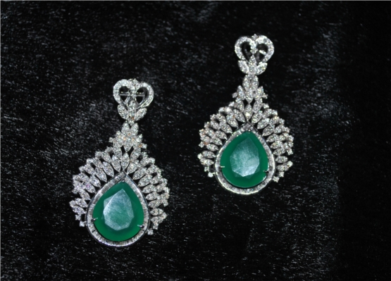 Elegant emerald and diamond earrings