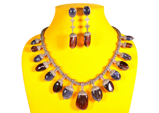 Kiw By Musskan - Necklace & Earrings