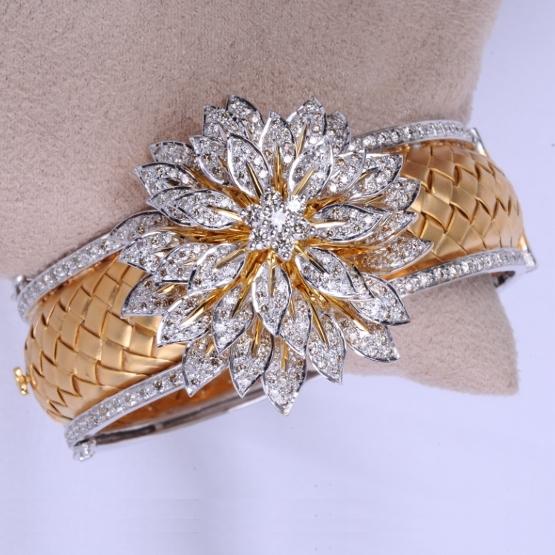 Textured Gold Bracelet With Diamond Flower