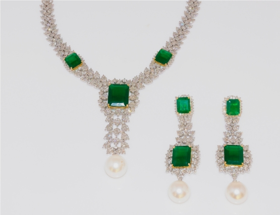 Emerald Necklace Set With Pearl Drop