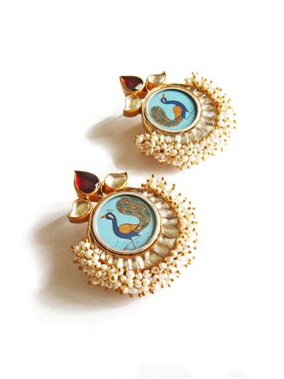 Engraved Peacock in Pearl Glold and Kundan Earring