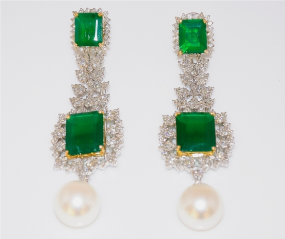 Exquisite Emerald Earrings With Pearl Drops