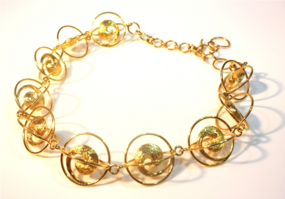 The Organzo Curve Necklace