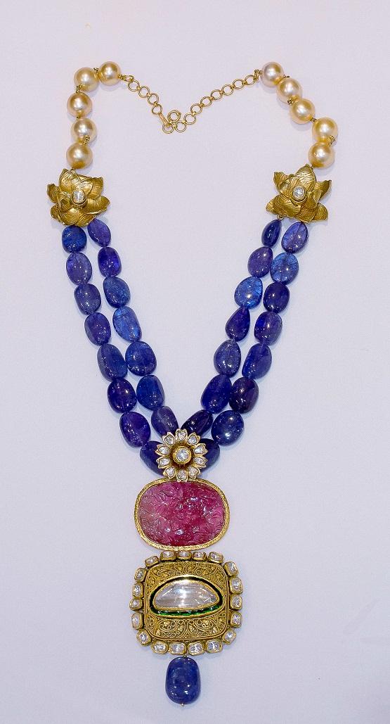 Beautiful Necklace by Falguni Mehta