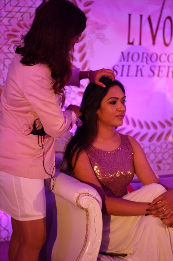 The event ended with Kanta Motwani teaching a Moroccan hairdo.